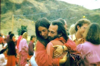 Osho Hug... Osho Meditation &Amp; Relationship